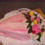 Фото 33: Торт в виде букета к 8 Марта