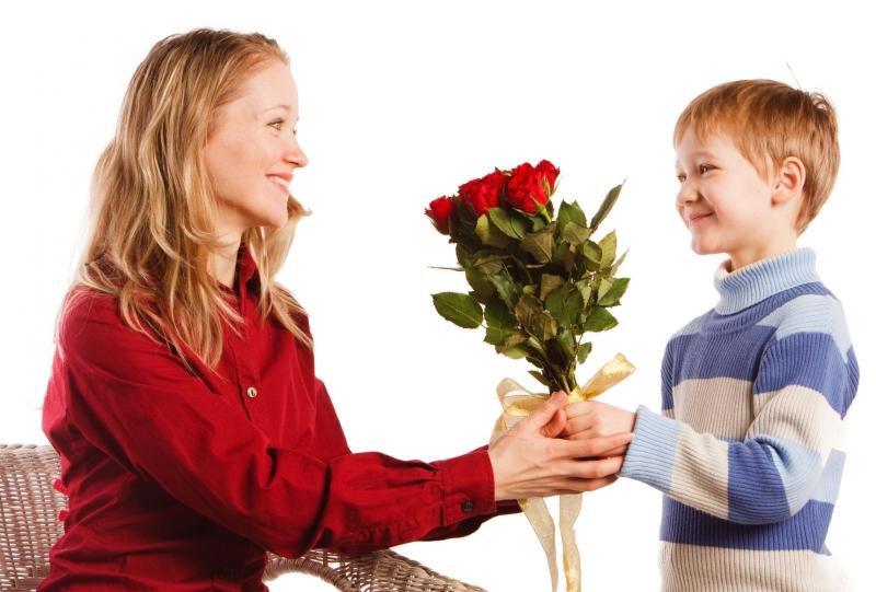 8 Марта принято поздравлять представительниц прекрасного пола и оказывать им всяческие знаки внимания
