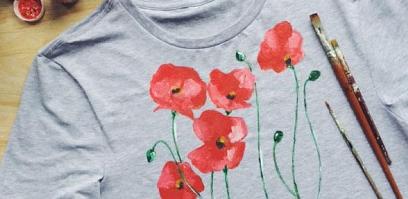 Роспись футболки цветами на 8 Марта