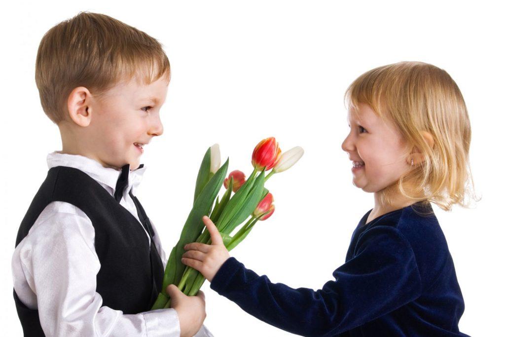 Цветы для девочек к 8 Марта