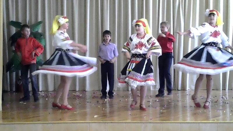 """Танец """"Смуглянка"""" на 23 февраля с народными молдавскими элементами"""