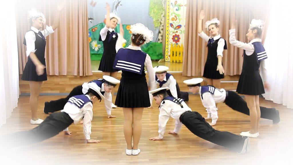 """Детский танец """"яблочко"""" с девочками и мальчиками"""
