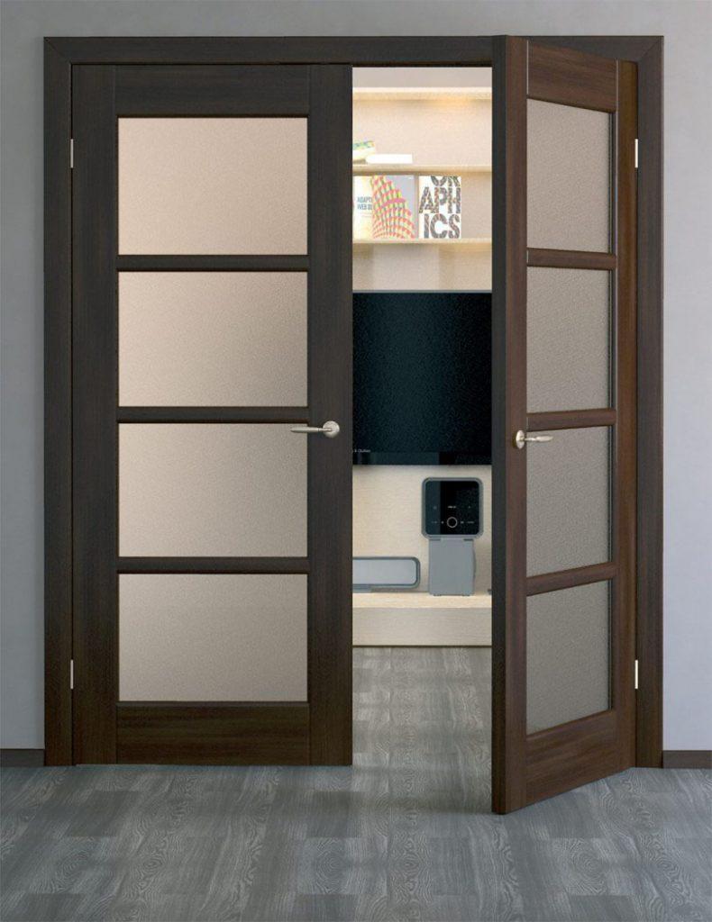 Двупольная дверь в интерьере