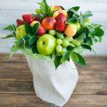 Фото 28: Фруктово-ягодный букет с зеленью