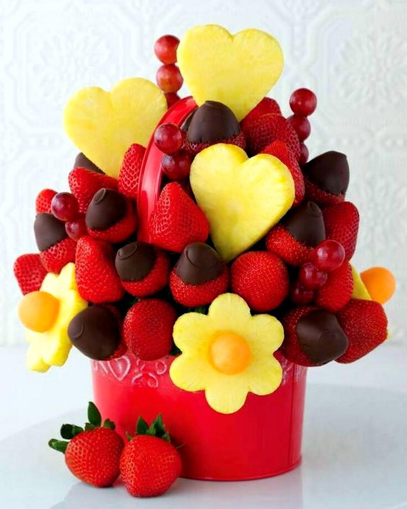фруктовый букет из клубники