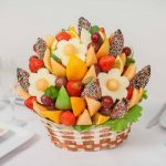 Фото 40: Фруктово-ягодный букет в корзинке