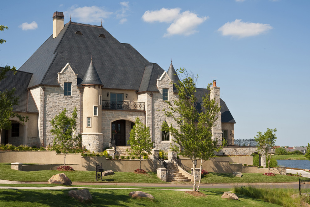 Конические крыши в дизайне дома