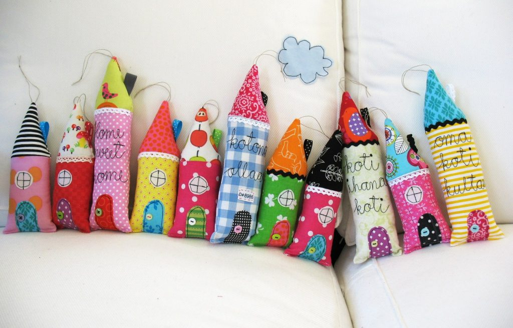 Подушки-карандаши
