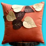 Фото 45: Декор подушки тканью