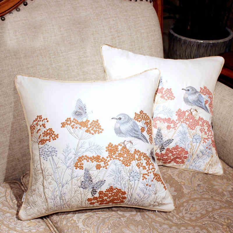 Декор подушек вышивкой