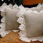 Фото 46: Декор подушки кружевом
