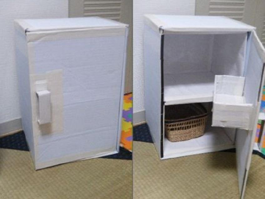 Холодильник из картона для кукол