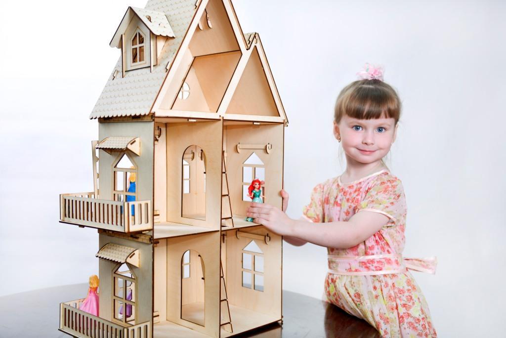 Кукольный домик из фанеры в сборе