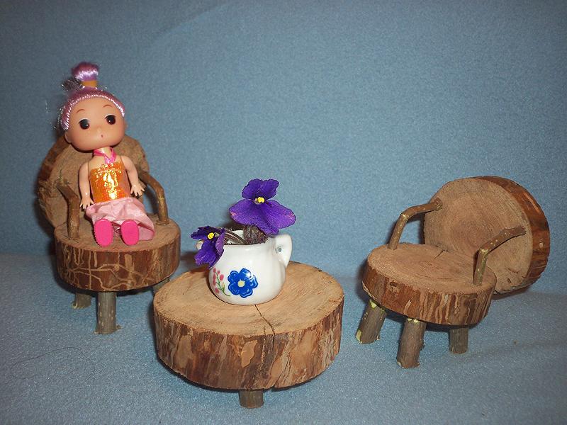 Мебель из спилов и веточек для кукол