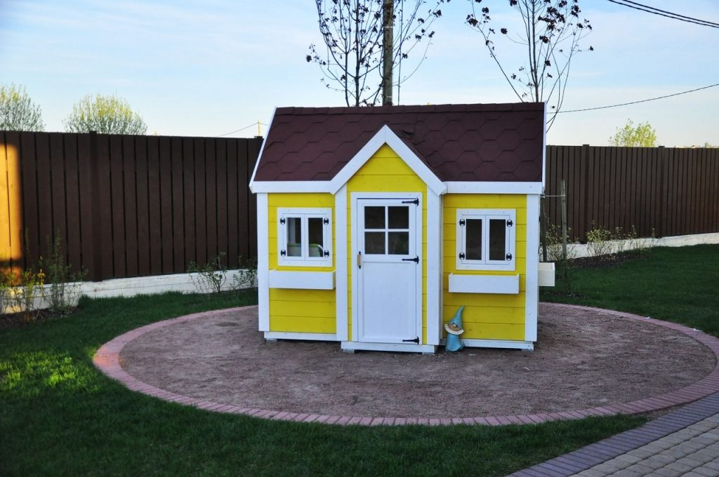 Затраты на покупку необходимого для проектирования детского домика сырья и материалов составят примерно 17 тыс.
