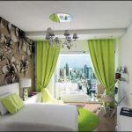 Фото 32: Фисташковый текстиль в интерьере спальни