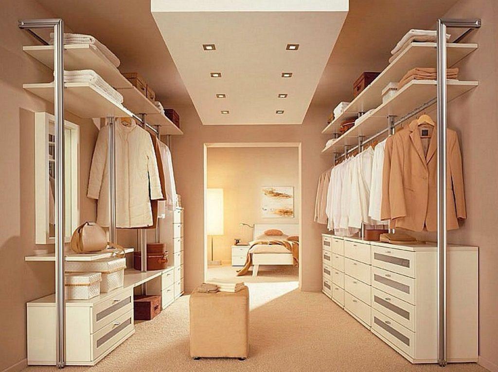 Гармоничная обстановка гардеробной