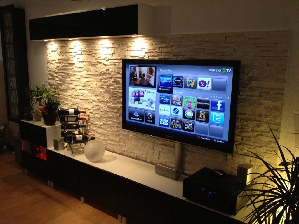 Интерьер гостиной телевизор в стене