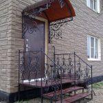 Фото 73: Кованое крыльцо в частном доме