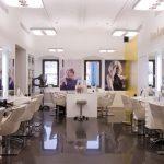 Фото 3: Необычный дизайн салона красоты