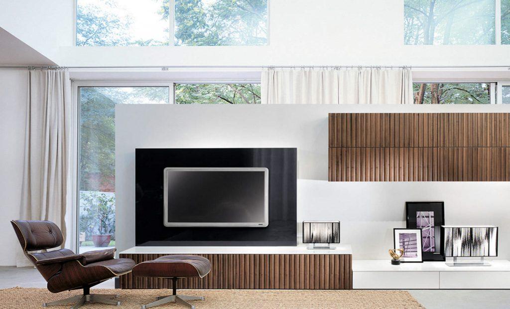 Пример расположения телевизора на стене