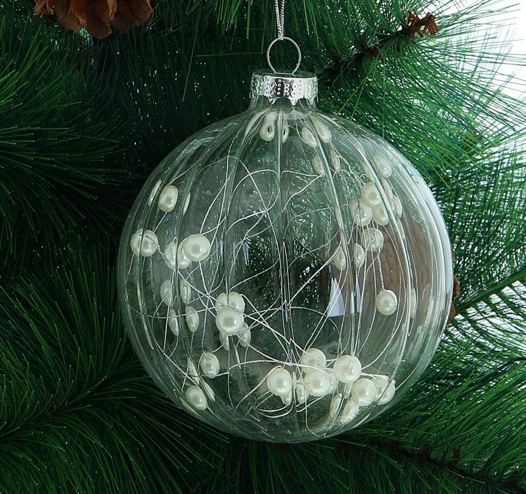 Прозрачный новогодний шарик