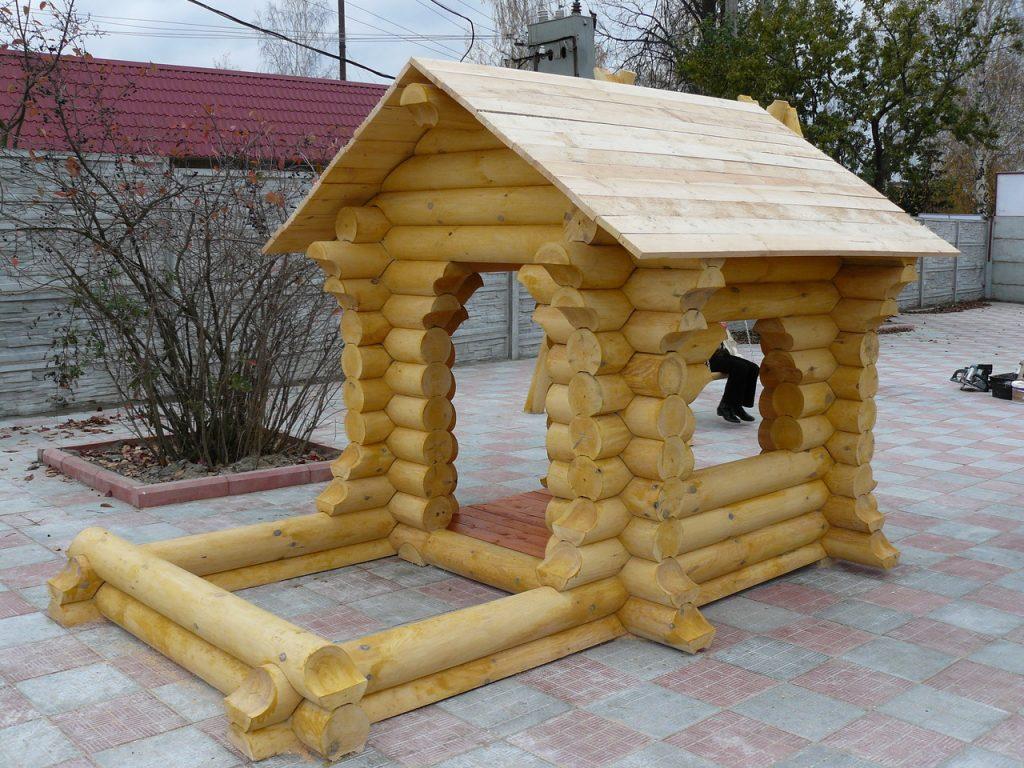 Строительство стены детского домика