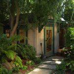 Фото 46: Удивительные идеи для оформления садовых сараев