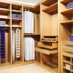 Фото 52: Удобные полки в гардеробной
