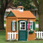 Фото 21: Детский домик во дворе