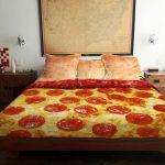 Фото 61: Креативное постельное белье с рисунком пиццы