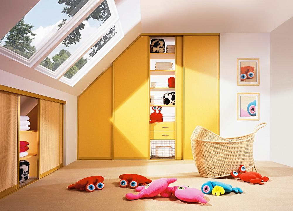 Модульный шкаф в детской на мансарде
