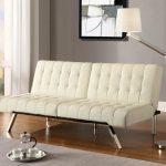 Фото 2: белый диван для гсотиной
