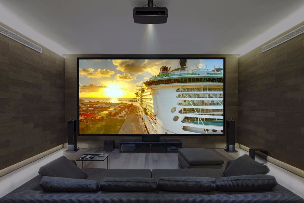 Проектор для просмотра фильма в домашних условиях