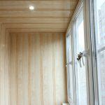Фото 14: отделка балкона панелями