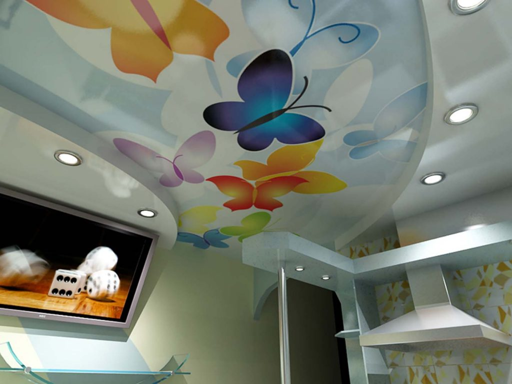 Зонирование пространства кухни с помощью натяжных потолоков