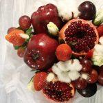 Фото 14: Оформление букета из фруктов
