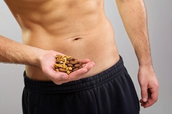 Особые свойства миндального ореха для мужчин