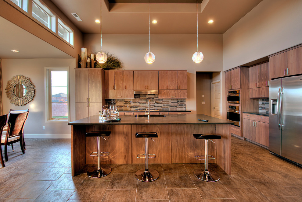 Удачный вариант подбора подвесных люстр к интерьеру кухни