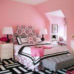 Фото 24: Интерьер спальни в розовых тонах