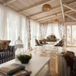 Фото 60: Светлые тона в интерьере гостиной
