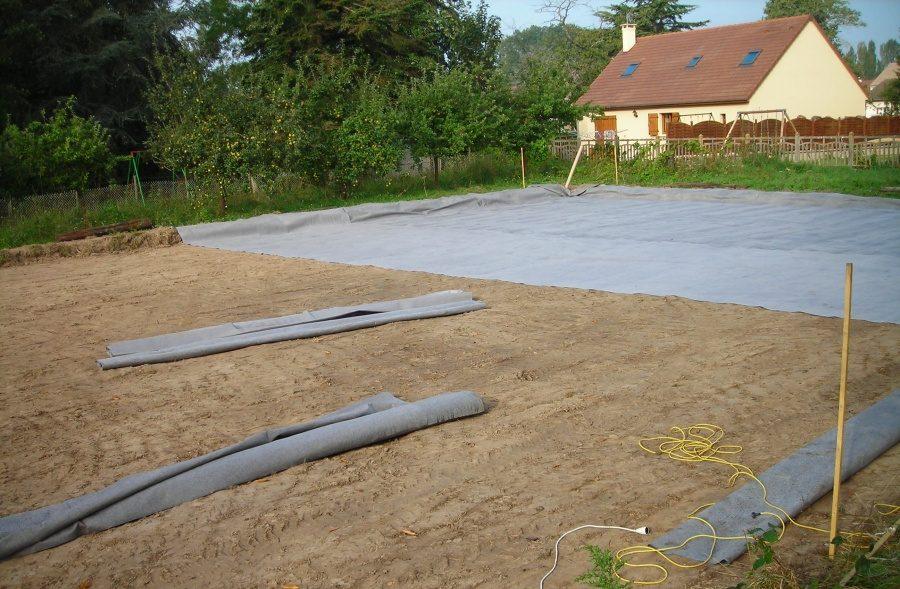 Применение геотекстиля на загородных участках