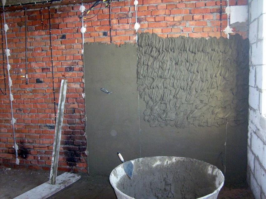 Штукатурим стены с использование маяков