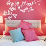 Фото 36: Оформление стен в розовом цвете
