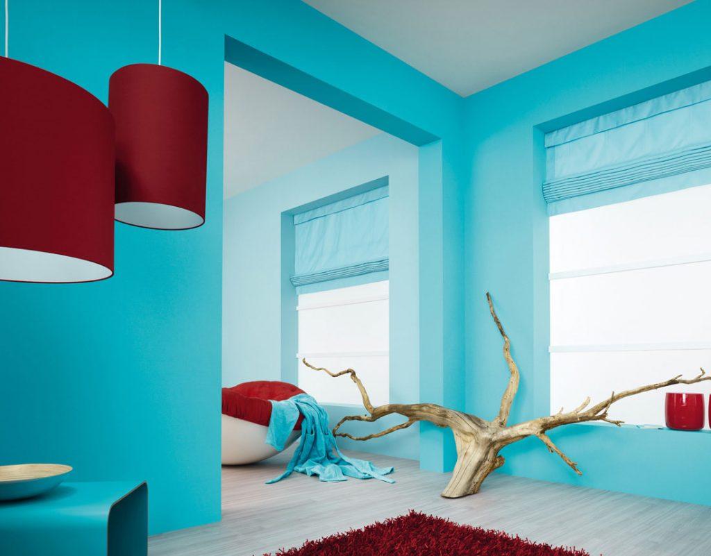 Дизайн квартиры - покраска стен водоэмульсионной краской голубого цвета