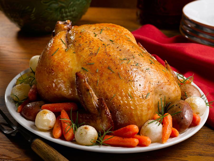Приготовление цельной курицы в духовке