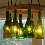 Фото 38: Люстра из винных бутылок