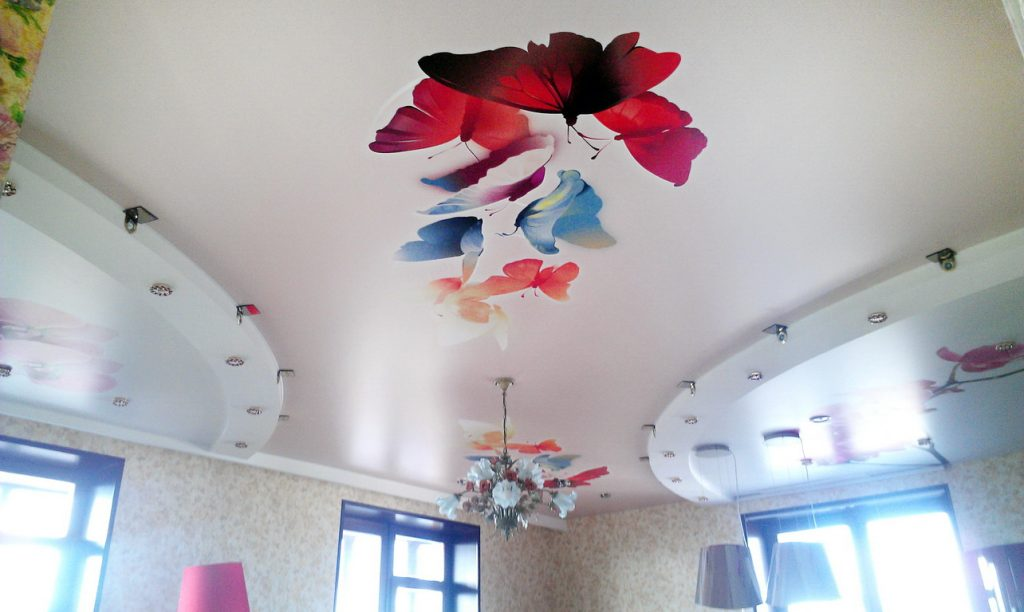 Дизайнерское оформление натяжных потолков