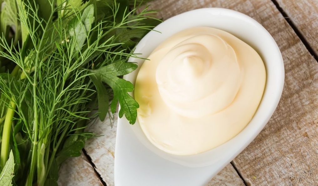 Майонезная заправка без яиц на молоке