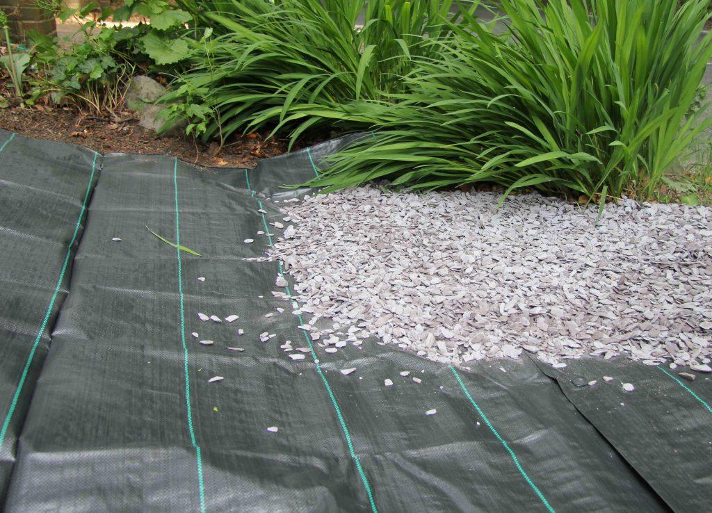 Применение геоткани на садовом участке